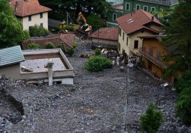 Snažna oluja pogodila Italiju: Blato guta automobile i ulazi u kuću